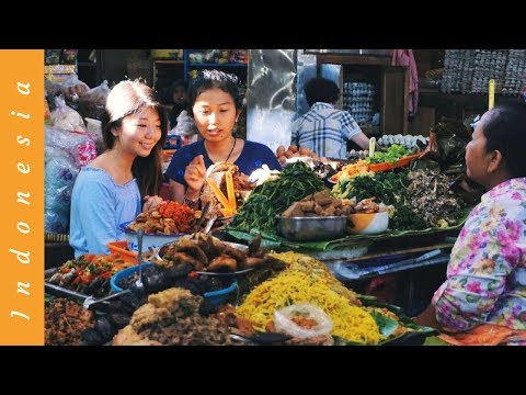 SWEET INDONESIAN STREET FOOD Market Tour | Pasar Gede, Solo Java