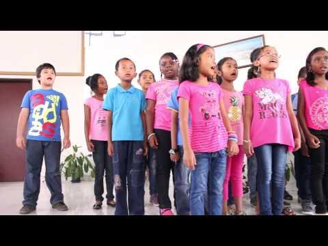 Daniel Ronokarijo ft wenzel school koor 2de klas