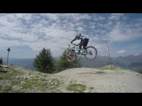 Isaac Riding Les Arcs Bikepark