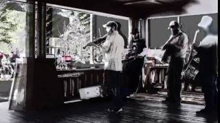 The Woodstove Flapjacks String Band - Boats up the River