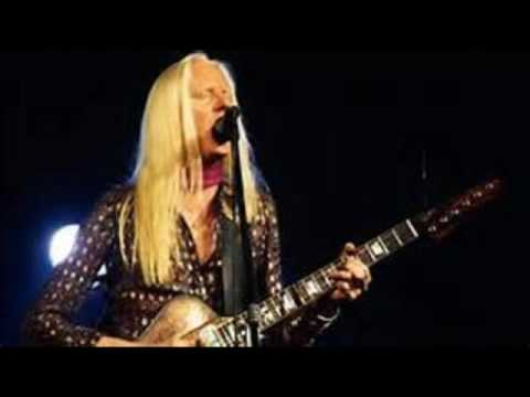 Johnny Winter doing Encore with the Allman Brothers in August, 1972 at the Hollywood Bowl