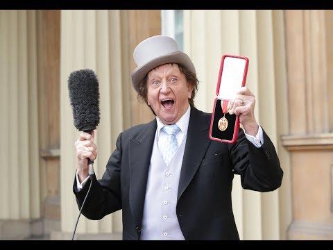 Comedian Sir Ken Dodd dies aged 90   ITV News