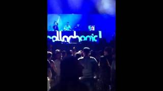 Hollaphonic live at the Du Arena