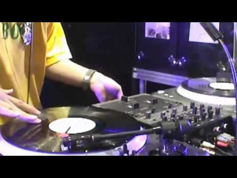 Beastie Boys: Mixmaster Mike Intro & Triple Trouble (Live)