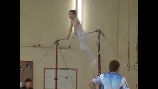 2-й  разряд турник. Спортивная гимнастика мужчины 10,5 лет.