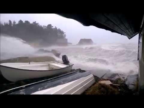 Storm Norway - Sandvikjo stormen Nina 10.01.2015 - Halsnøy