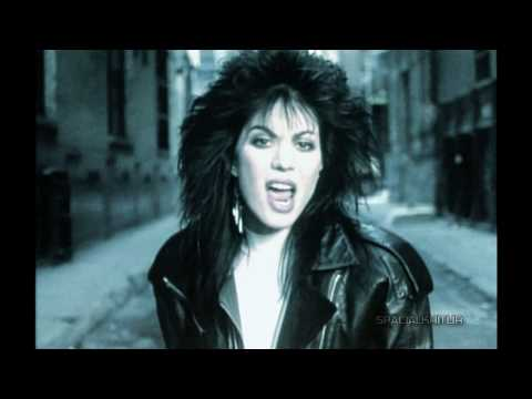 Joan Jett-I Hate Myself For Loving You:歌詞+中文