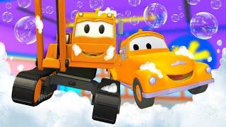 Demoliční jeřáb Dan - Tomovo Umývání Auta ve Městě Aut 💧 Animák pro děti