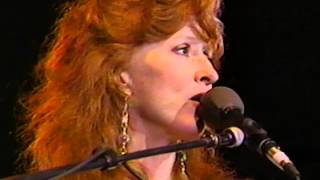 Bonnie Raitt - Write Me A Few of Your Lines / Kokomo Blues / Walkin
