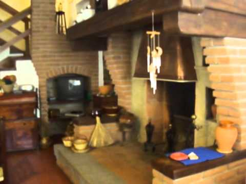 Villa in vendita a sefro 1 youtube for Piani scrivania stile artigiano