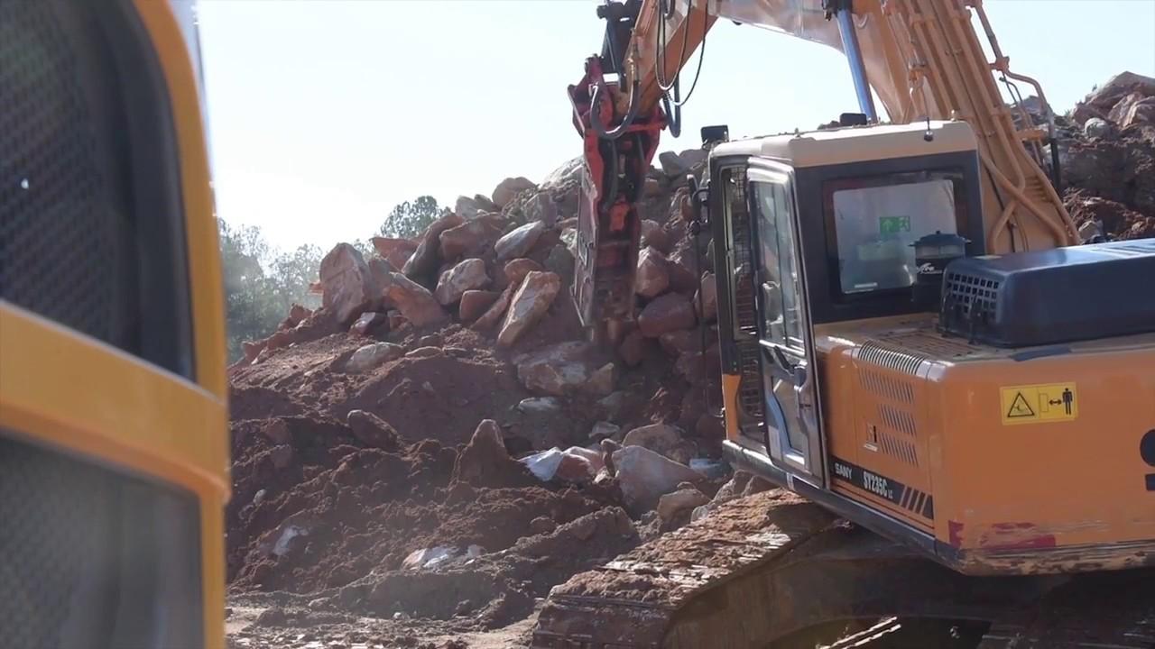 Hydraulic excavator with breaker - Sany Reliability