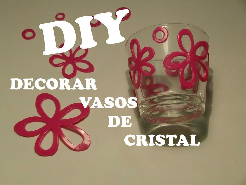 Diy decorar vasos de cristal con silicona youtube for Vasos de colores de cristal