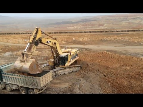 Caterpillar 385B LME Excavator - Loading Mercedes Actros And Man Tgs