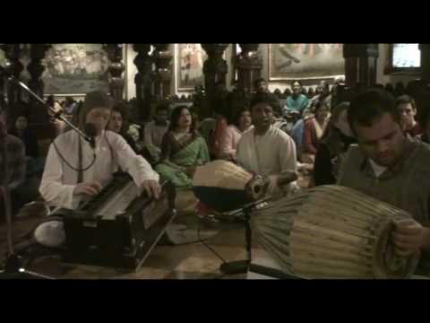 NY Eve Bhajan - Mukunda Datta das - Hare Krishna - 10/21