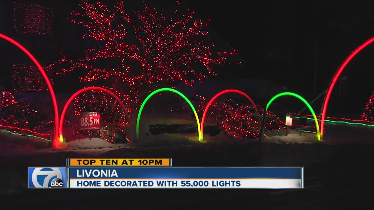 Livonia Home Decorated With More Than 55 000 Lights