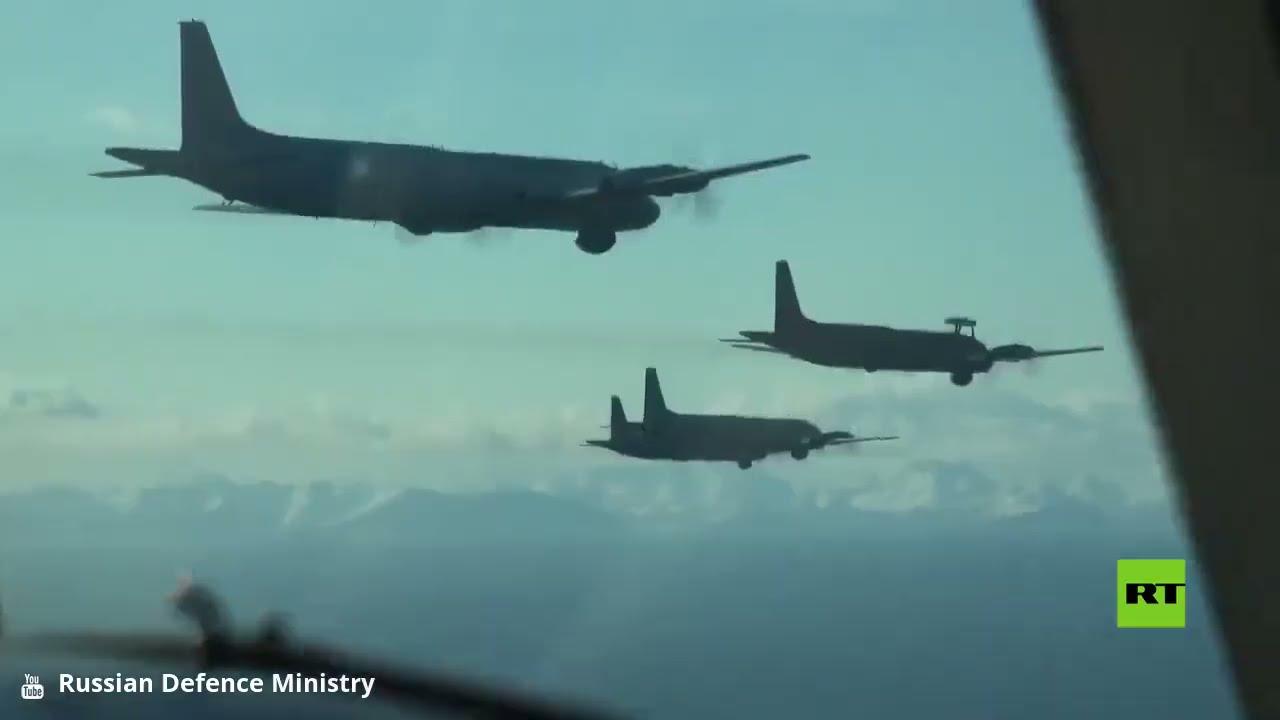 طائرات -إيل-38- المضادة للغواصات تلقي قنابل على أهداف العدو