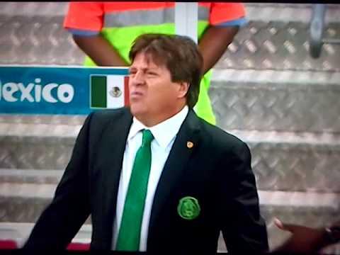 Mexican football coach funny reaction
