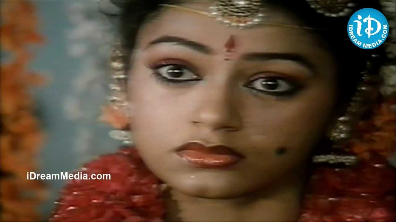 Chiranjeevi Gemini Ganesan Prasad Babu Nice Emotional: Shobana, Chiranjeevi Emotional Scene