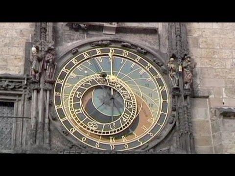 Clocks go back across Europe