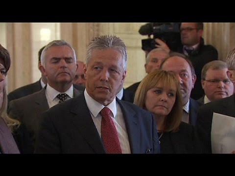 El Gobierno norirlandés suspende sus reuniones por la presunta implicación del IRA en un asesinato