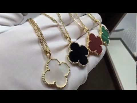 van cleef arpels Magic Alhambra long necklace 1 motifs