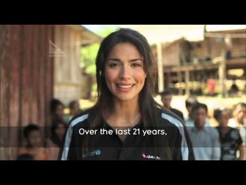 Pia Miller and Qantas celebrate 21 year anniversary of UNICEF Change for Good