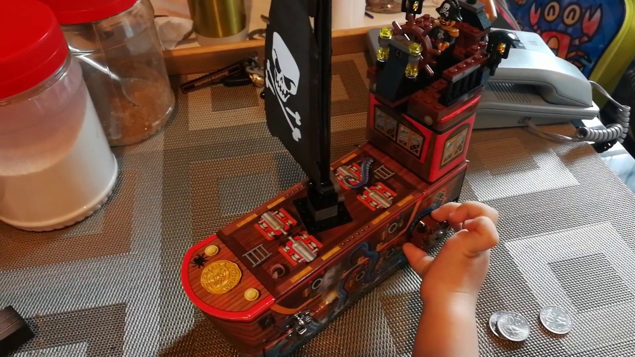 *BRAND NEW* Lego PIRATES COIN BANK 852748