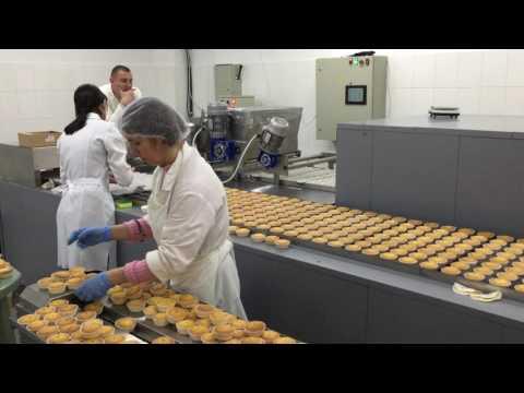 автоматизированная линия для мини-кексов
