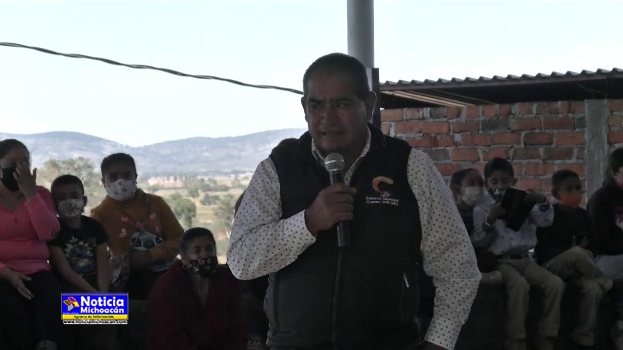 Presidente de Coeneo entrega techumbre para área de usos múltiples a la comunidad el Rodeo