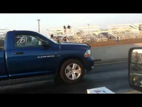 Ecoboost F150 vs 5.7L Hemi Dodge Ram Quarter Mile Run
