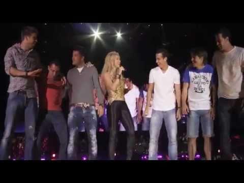 Barcelona players on stage with Shakira (Suerte)