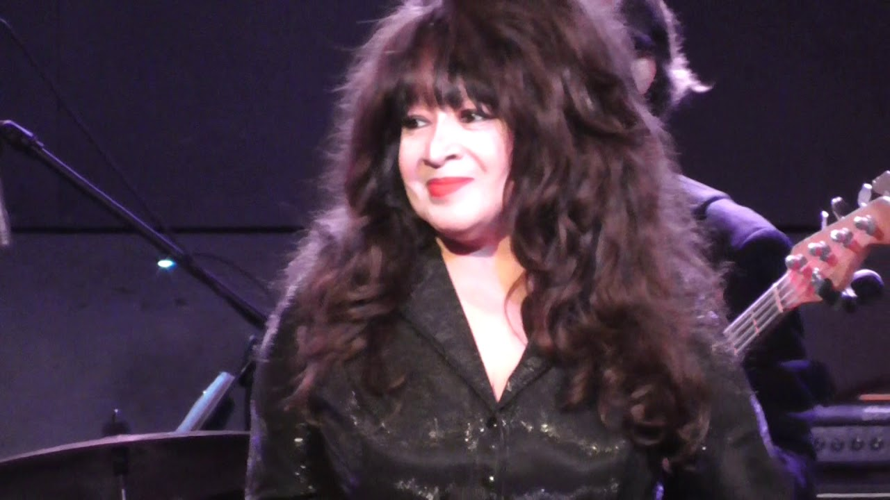 Ronnie Spector Baby I Love You 2018 - YouTube