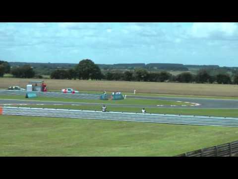 Jason Plato/Matt Neal collision BTCC Snetterton 2011 (HD 720p)