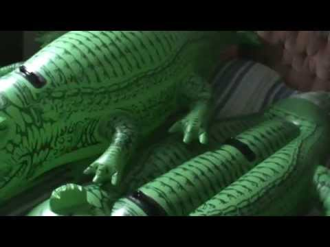Inflatable Crocodile Intex : Before/After   YouTube