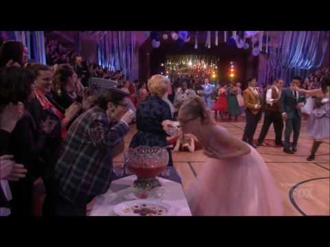 Patty Simcox  Skirt Troubles 'Grease' & 'Grease Live'