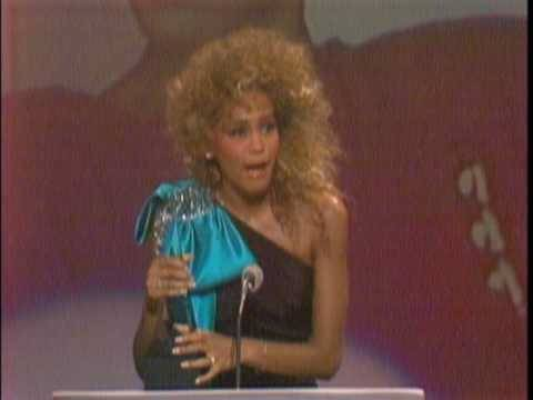 Whitney Houston Wins Favorite SoulR&B Single For You Give Good Love  AMA 1986