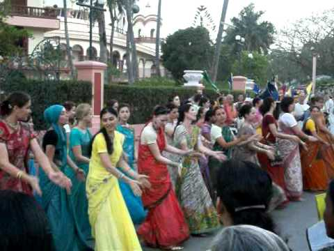 Beautiful Foreigner Group Dance In Mayapur