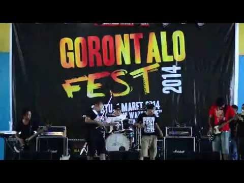 Why Not @ Gorontalo Fest 2014 (GOR Nani Wartabone)