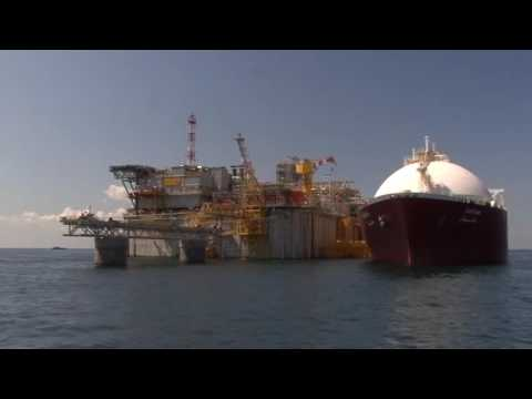 Adriatic LNG - Operazioni di ormeggio e scarico di una nave metaniera