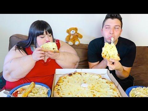 Giant Alfredo Pizza & Fettuccine • MUKBANG