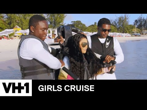 Lil' Kim Shows Off Her Jet Pack Skills | Girls Cruise
