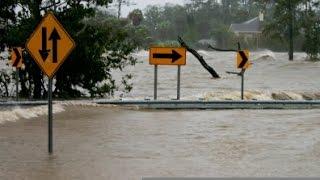 Жители Карибских островов бегут от урагана «Мэтью»(Ураган «Мэтью» ударит по Кубе, Ямайке и Гаити в ближайшие часы. По заявлению метеорологов, это будет сильней..., 2016-10-04T14:35:24.000Z)