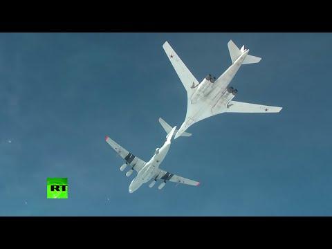 RAW:  Russian Tu-160 'Blackjack' strategic bomber refuels mid-air above Caspian sea