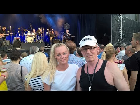 Kim Larsen og Kjukken: Spillestedet Kammerateriet i Svendborg.2015. 04. 07.  Kamilla og Karsten