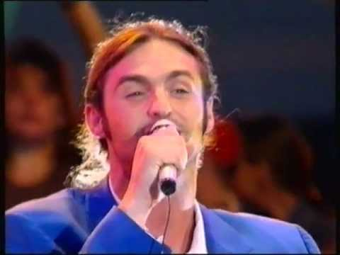 Wet Wet Wet - Love Is All Around - Tops Of The Pops - 9th Week at No.1 - 1994