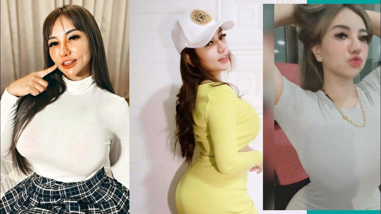 Download Mek sarrah live terbaru goyang seksi sambil bernyani