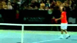 Andy Roddick crazy dive against Marcos Baghdatis
