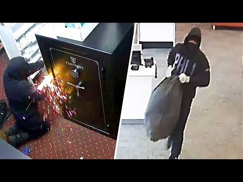 9 Most Ingenious Thefts in History