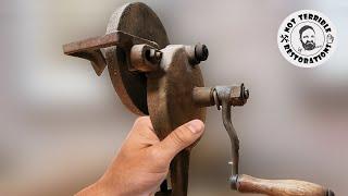 1930's Hand Cranked Grinde…
