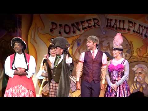 Chicken! Ribs! Jokes! Songs! Hoop-Dee-Doo Musical Revue At Walt Disney World's Fort Wilderness